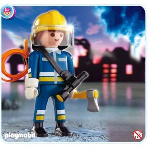pompier avec hache playmobil 4675 la f e du jouet. Black Bedroom Furniture Sets. Home Design Ideas